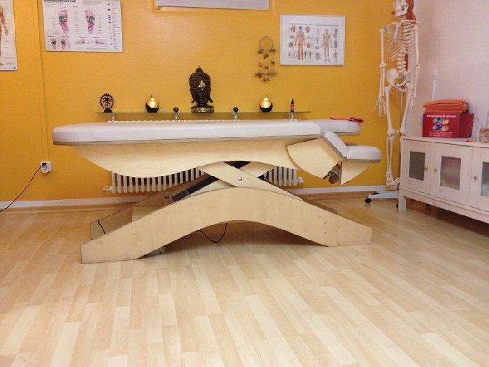 Massagepraxis-Muenchen-Behandlungsliege