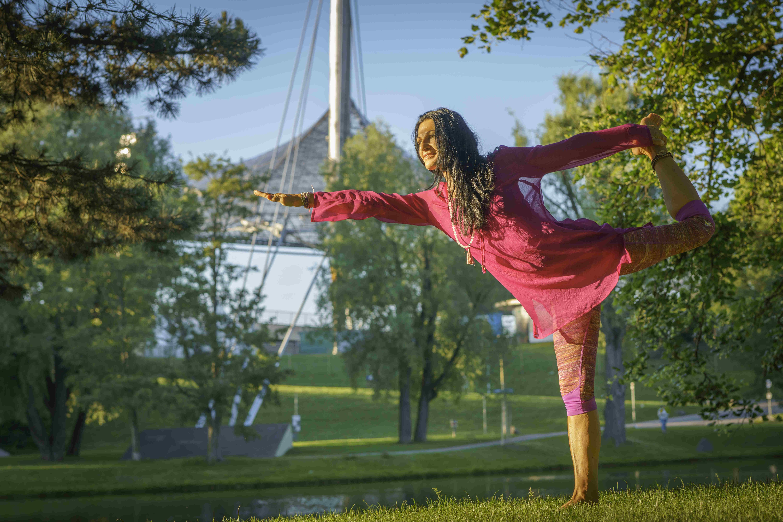 Fernsehturmfotos Yoga Asana 2a